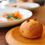 食堂RUTA - 焼き立てのパン