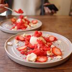 食堂RUTA - いちごミルクの皿盛りドルチェ