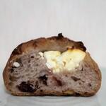 サイドフィールドブレッド - 料理写真:クランベリーとクリームチーズ