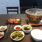 炭火焼肉・韓国料理 KollaBo -