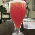 Qoo Qoo Cafe - ビールとトマトジュースを合わせた「レッドアイ」です。
