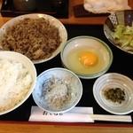 和料理 八車 - 和牛すき焼き定食 800円