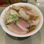 145022339 - 鴨ワンタン麺950円