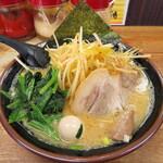 らっち家 - 料理写真:ネギラーメン 860円