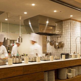 五感を刺激するライブキッチン
