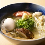 黄金拉麺 鶏のおかげ - メイン写真: