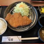 味楽 - 料理写真:ロースカツ定食   990円(税込) 味噌汁・キャベツお代わりできます