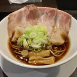 世界が麺で満ちる時 - アローン(800円、斜め上から)