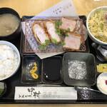 とんかつ中村 - 甘とろ豚 ロース・ヒレ食べ比べ定食