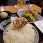 鳥道酒場 - 鶏唐揚げ定食 550円 + 納豆 55円