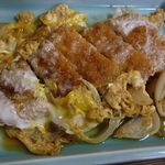 治作 - 大きなロース肉が少なめの卵でとじられています。味はgood!