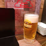 ギョーザ ブラザーズ - ビール中ジョッキ\390