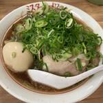 Misutaramen - ミスターラーメン(醤油)700円(税込) に味玉(100円税込)をトッピング。ネギ大盛りは無料サービス。