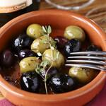 スペイン産オリーブのハーブマリネ