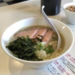 粗炊中華そばのじじ - 料理写真:粗炊き中華そば煮干し 塩