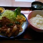 満月 - 料理写真:焼肉定食 税込880円