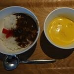ヘルシービュッフェ アマム - カレーとスープ