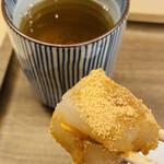 道頓堀 今井 - 甘くて美味しい まぁ、お味は至って普通なんだけど やはり カップそのままで食べるより数倍美味しく感じるよね