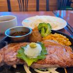 ロイヤル羽生洋食軒 - 料理写真: