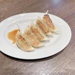 かにチャーハンダイニングの店 - 料理写真:野菜餃子