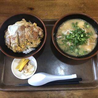 ラーメン長洲 - 料理写真:カツ丼+小さいラーメンセット 750円 コスパ 最高ですね
