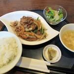 中華厨房 たんたん - 料理写真:平日限定ランチ「豚肉炒め」800円
