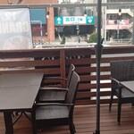 インドレストラン スパイスハウス - ◆入口のテラス席◆♪