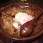 炭火台所 さらり - 温玉のせ地鶏ハンバーグ