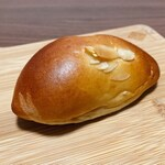 145132397 - クリームパン