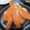 日本坂パーキングエリア(上リ) - 料理写真:ミックスフライ定食