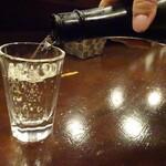 日本酒と音楽の店エイジ - 1杯目