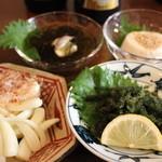 かのうや - 珍品メニューも充実!!海ぶどう、島らっきょ、もずく酢、ジ-マミ豆腐を飲みのおつまみにどうぞ!!
