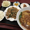 台湾料理 萬盛 - 料理写真:ニラとホルモン炒め定食       & 台湾ラーメン