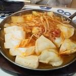 焼き鳥と生サワー トリサワ子 - キムチチゲ鍋一人前750円×2