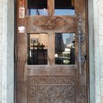 モンスーンカフェ - 年季の入ったドア
