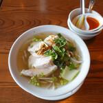 モンスーンカフェ - 蒸し鶏のフォー