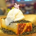 Jose Luis - 『名物 バスク風チーズケーキ』1000円