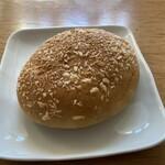 カントリーブラン - 焼カレーパン216円