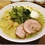 145154482 - 海老ワンタン入り塩らー麺+塩煮たまご 1150+100円