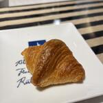 ピアサピド - 料理写真:クロワッサン