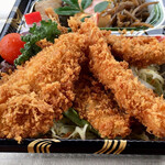 和食処 万松 - メインのフライはエビ、鯵、鱚、種類が不明な青魚(鯵とはちょっと違うような?)の4種