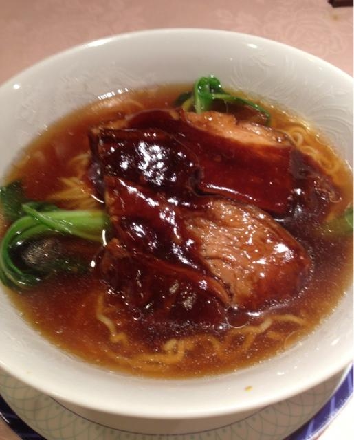 杏花楼 千駄木店 - 豚角煮の醤油味の麺(1000円)