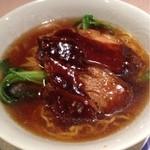 杏花楼 - 豚角煮の醤油味の麺(1000円)
