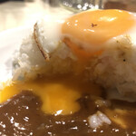 カレー専門店 横浜 - 目玉とろりな絵図