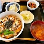 やきとり なかの屋 - 料理写真:なかの家焼き鳥丼定食 ¥750-