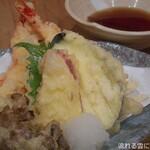 うどん居酒屋 海士麺蔵 - 天ぷらの盛り合わせ
