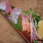 うどん居酒屋 海士麺蔵 - お刺身5種