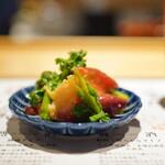 よこてのわがや - 北寄貝と青菜の和え物