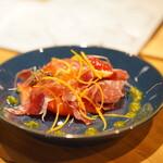 よこてのわがや - 燻製カマンベールとはっさく、苺のサラダ