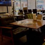 リーサカフェ - 店内の雰囲気